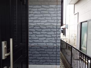 壁を使った試し塗り